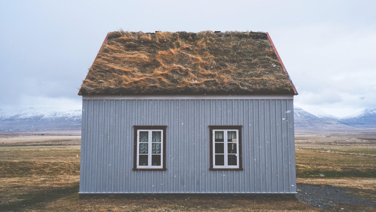 低価格で販売されるモバイルハウス、タイニーハウスの気になる家まとめ8選。小屋は無印良品スノーピークも参入してきて要注目。